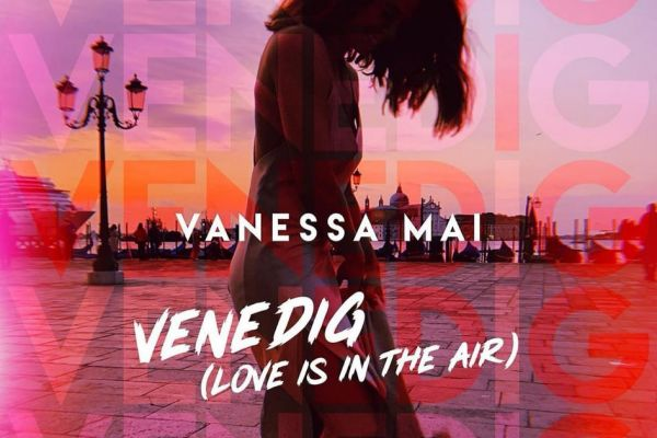 CD Cover Venedig Love Is in the Air Vanessa Mai