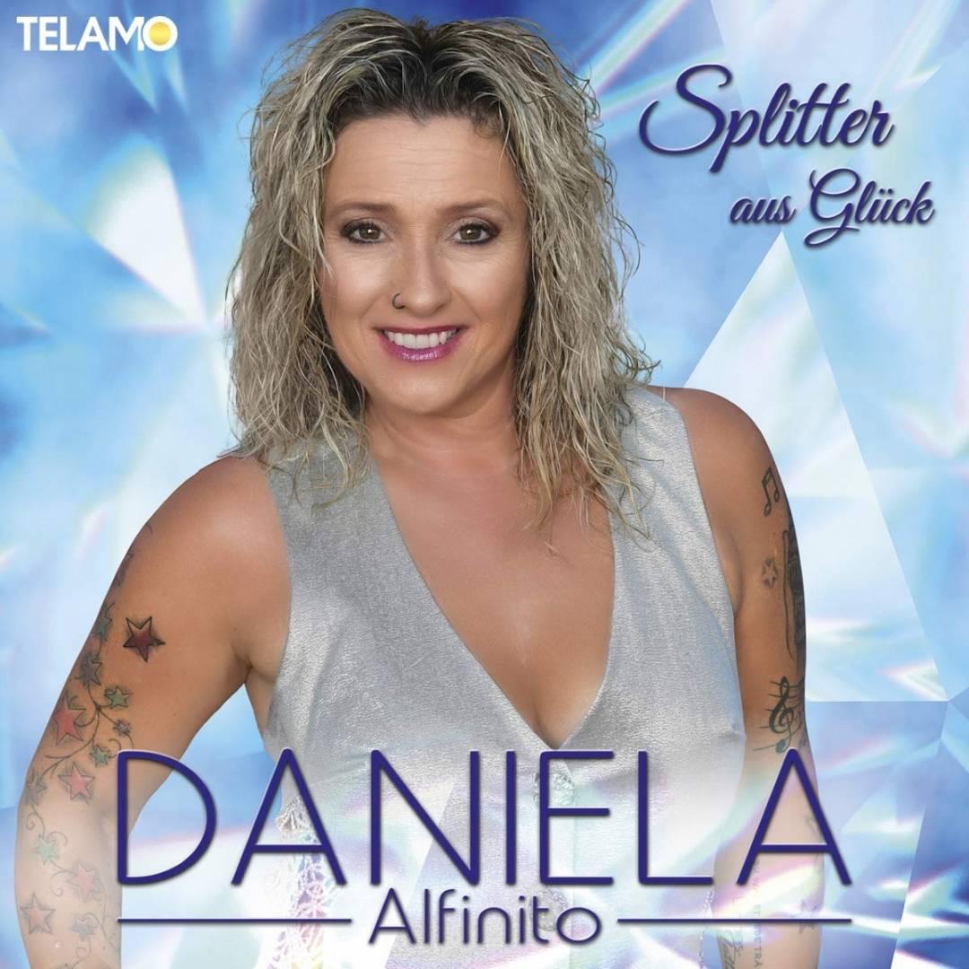 DANIELA-ALFINITO-Aller-guten-Dinge-sind-Drei-erneut-Nummer-1-der-Albumcharts